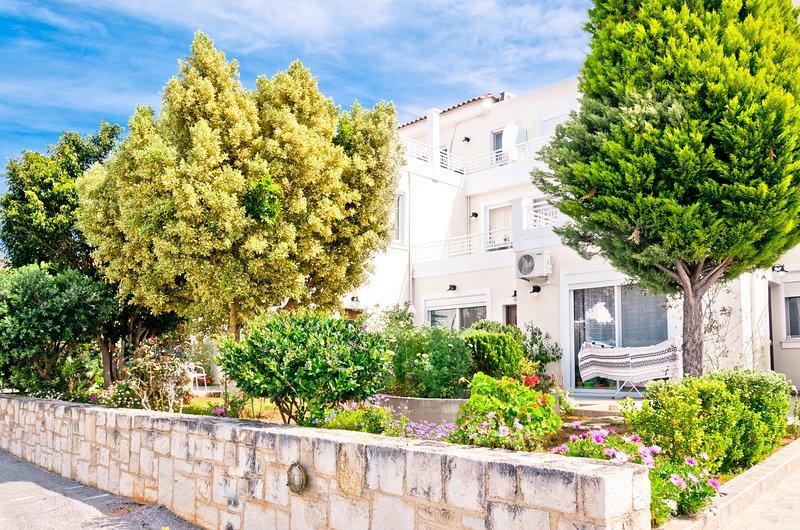 Barbara apartments 2, holiday rental in Kato Daratso