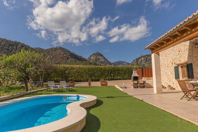 Finca en entorno natural con piscina, alquiler vacacional en Caimari