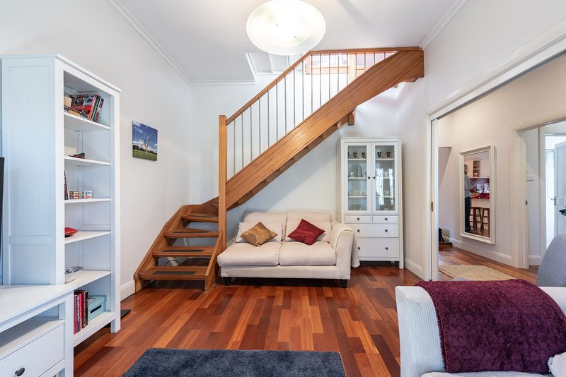 Gorgeous family retreat next to the CBD, vacation rental in Werribee
