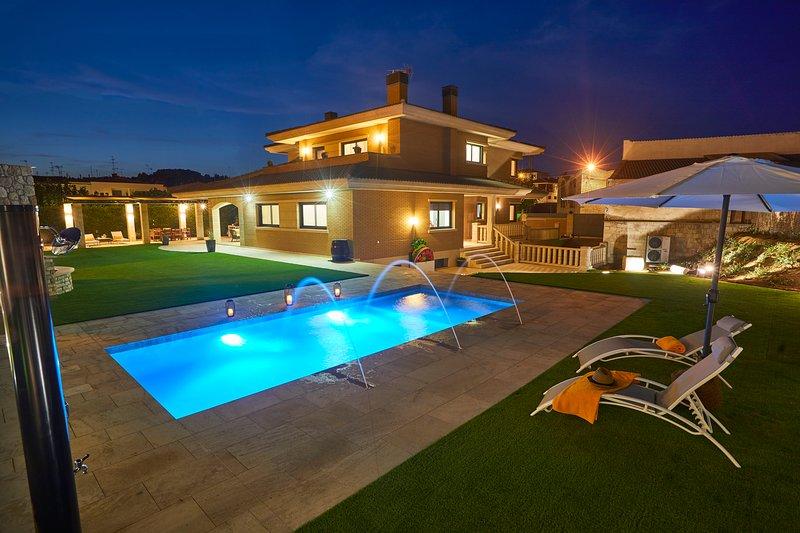 El Chalet la Cantera, es un chalet Vacacional de alquiler integro con piscina, holiday rental in Tarrega