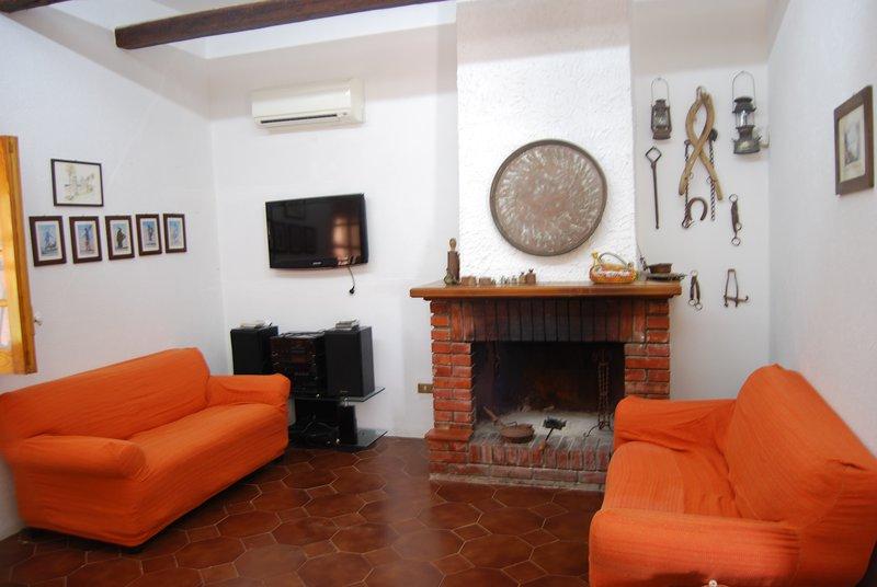 Spacious house with garden & Wifi, holiday rental in Santa Margherita di Belice
