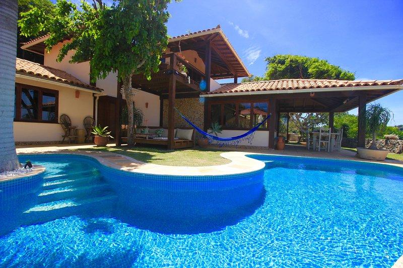 BUZIOS HILLSIDE RETREAT, holiday rental in Armacao dos Buzios