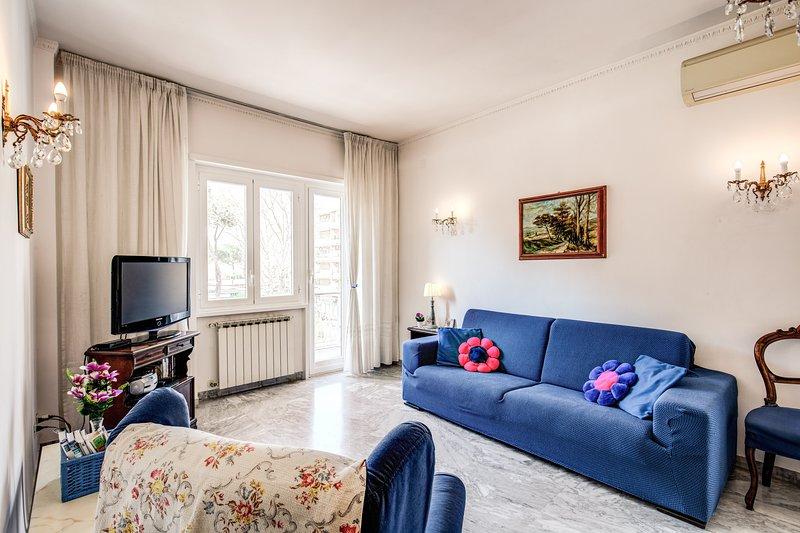 BlueClassicHome - San Pietro, vacation rental in Olgiata