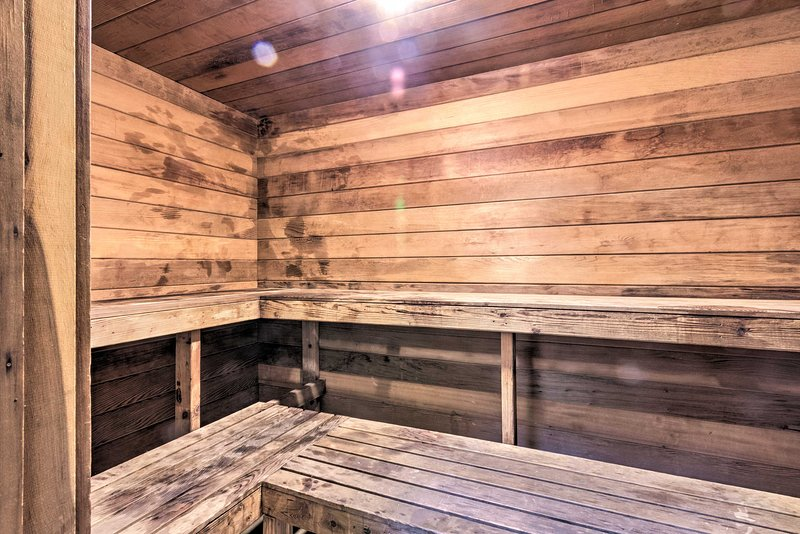 Relax in the sauna!