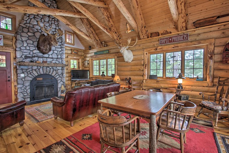 Kick your Conway getaway up a notch when you stay at this incredible cabin!