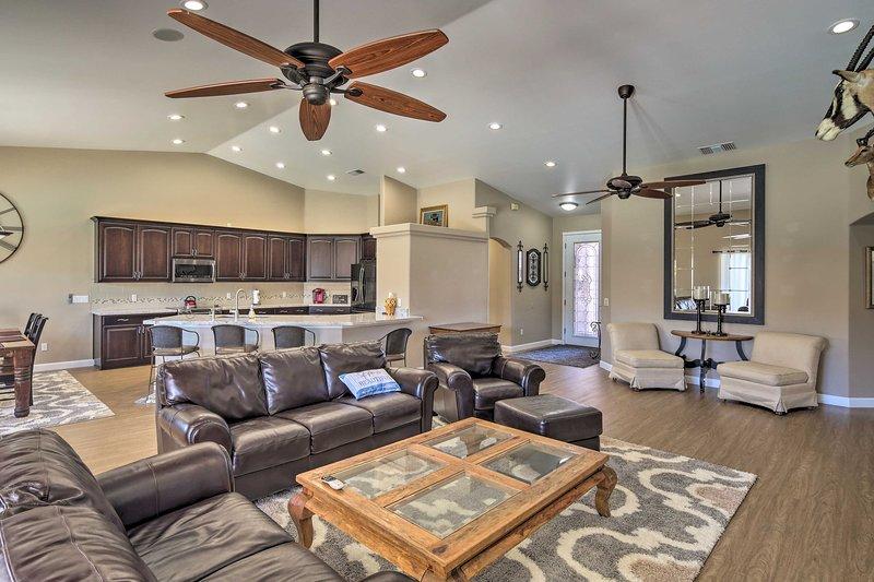 Con 4 camere da letto, 2 bagni e altro, questa casa è ideale per le famiglie.