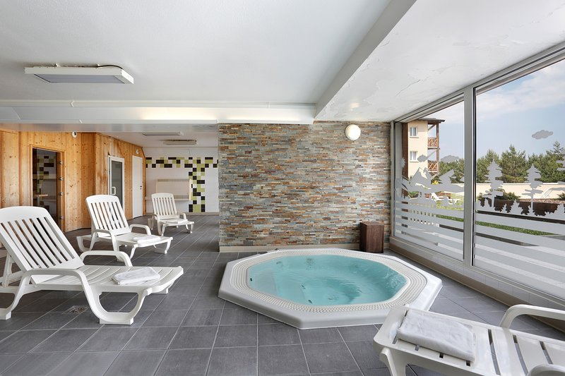 Visit the paid wellness centre and soak sore muscles in the indoor hot tub.
