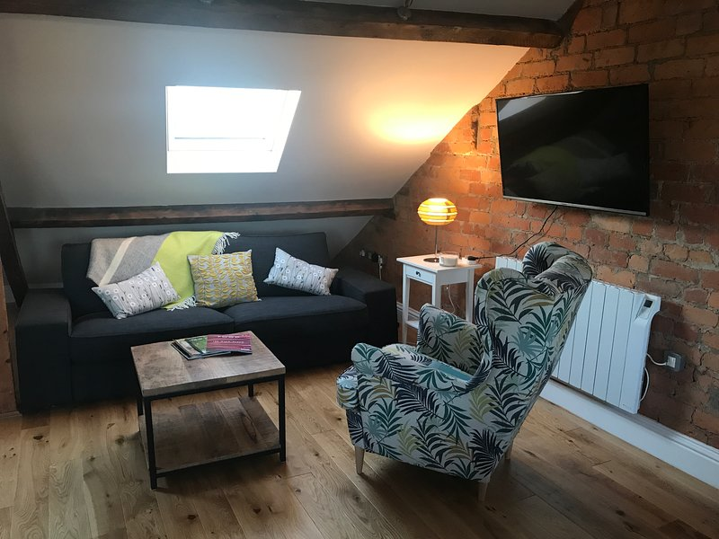 Windows Over Stroud, holiday rental in Whitminster