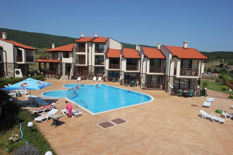 Imperial Heights 31- Stylish Villa on the hill with Sea View, holiday rental in Kosharitsa