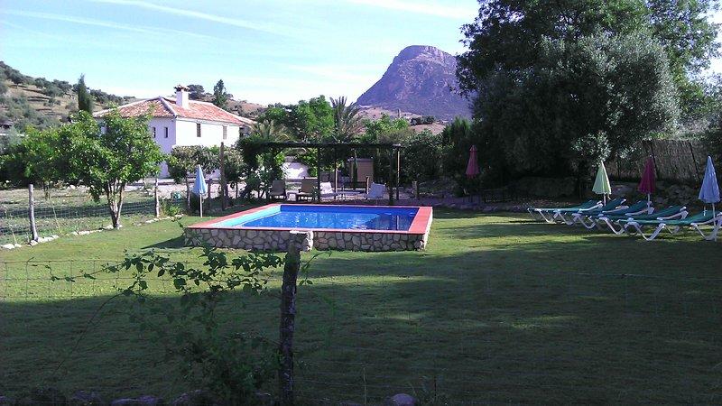 Super Cortijo,3 hectareas, AC, WI-FI, la liga., vacation rental in Grazalema