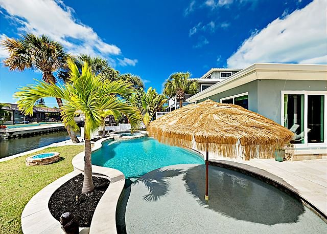 Incredible Canal Home w/ Private Pool & Spa - Near Beach!, holiday rental in Sarasota