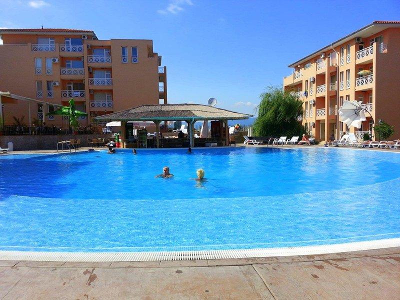 Sunny Day 6 ap 18/3 - Cosy Studio with Balcony in Sunny Beach Region, holiday rental in Medovo