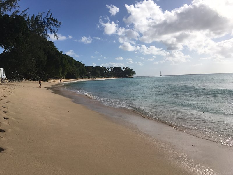 Gibbs Beach , a 5-10 minute stroll from the apartment