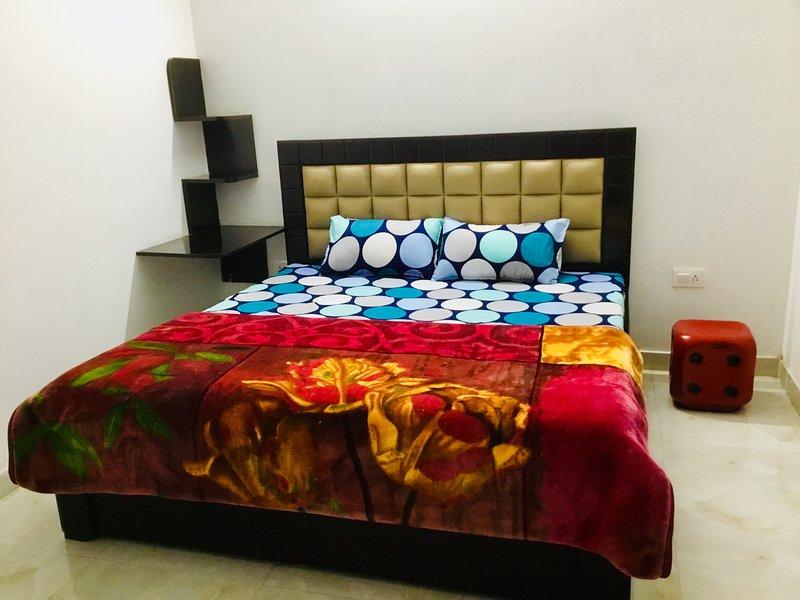 Aalayam Studio Apt Nearby Fortis Memorial Hospital, vacation rental in Gurugram (Gurgaon)