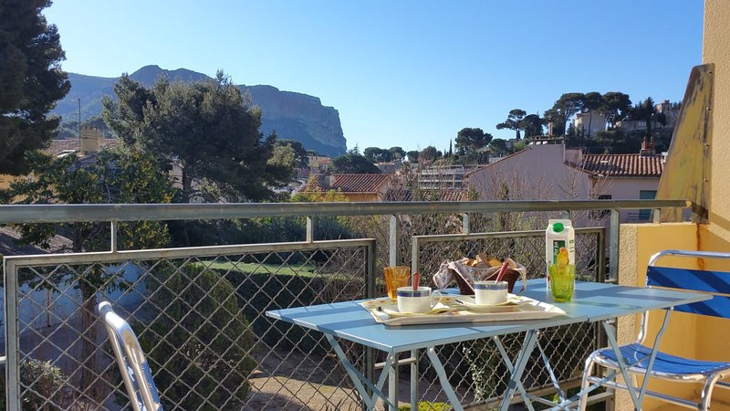 Breakfast view Cap Canaille