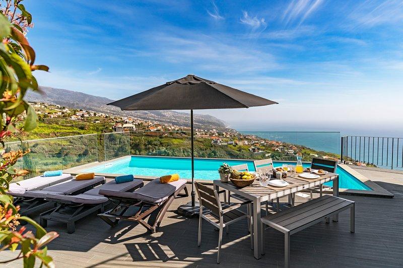 Villa Clementina| Cliffs & Ocean| Heated Pool 28ºC| Countryside| Total Privacy, location de vacances à Jardim do Mar