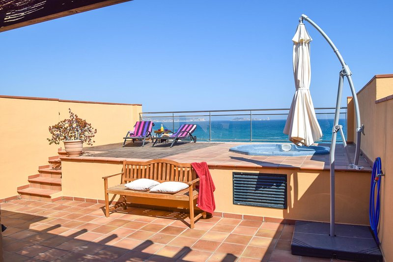 Apartment with two terraces with spectacular sea views- BEGUR-SA PUNTA COSTA BRAVA