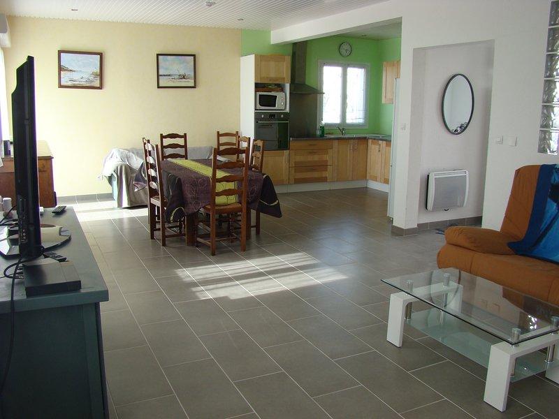 Grande maison individuelle pour 6 personnes, location de vacances à Talais