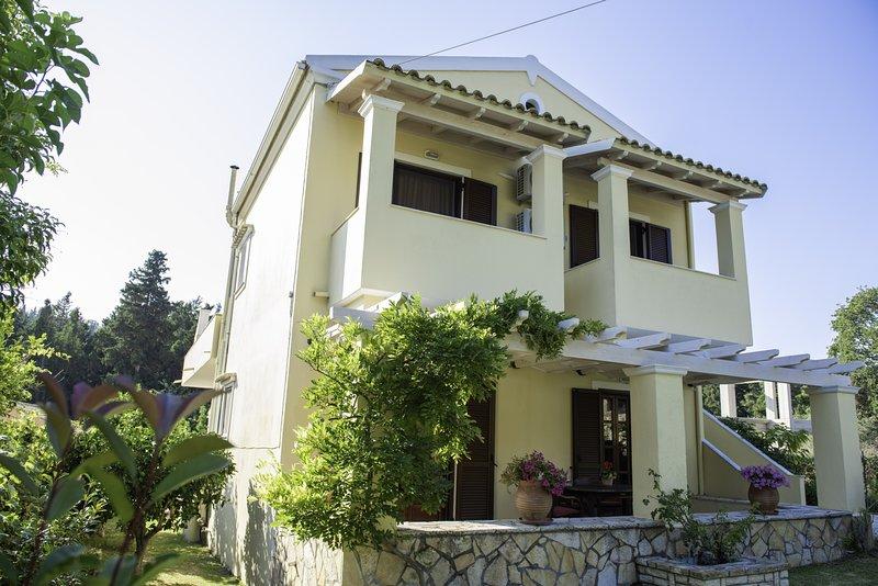 Miltiadis Apartment 1, holiday rental in Afionas