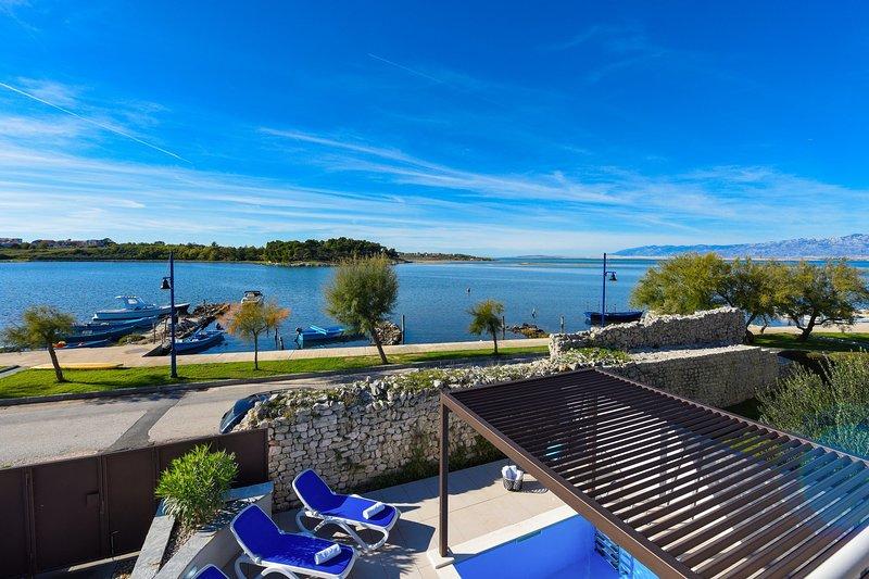 Beautiful Villa La Thalia, in Nin, with a Pool, holiday rental in Nin