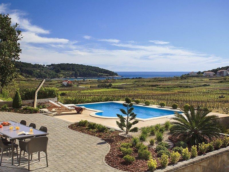 Beautiful Villa Mar, on the Island of Korcula, vacation rental in Lumbarda