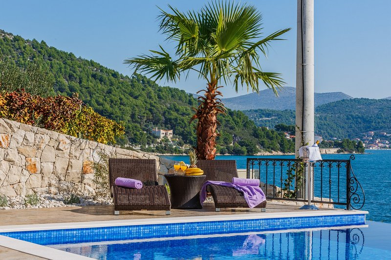 Charming Villa Marina Dalmacija, with a Pool, vacation rental in Marina