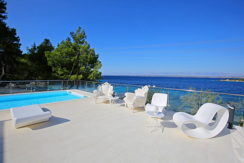 Seafront Villa Borna, in Dalmatia,with a Pool, holiday rental in Ugljan Island