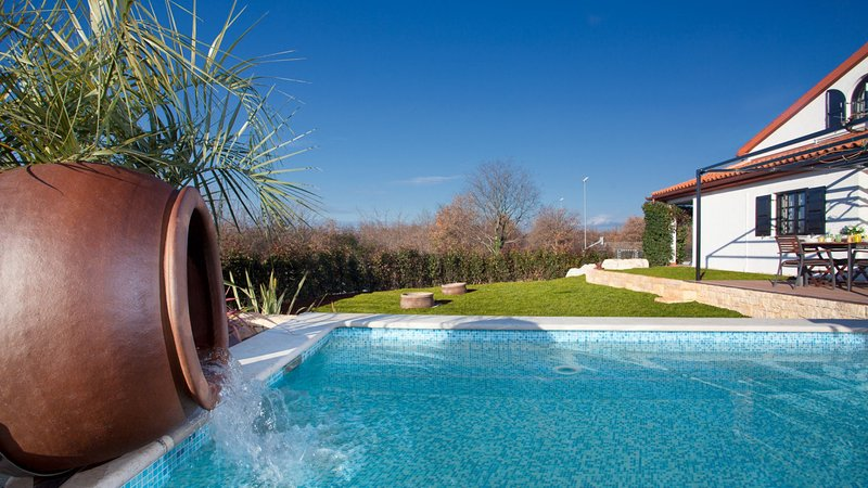 Beautiful Villa Intima, in Istria, with a Pool, vacation rental in Porec