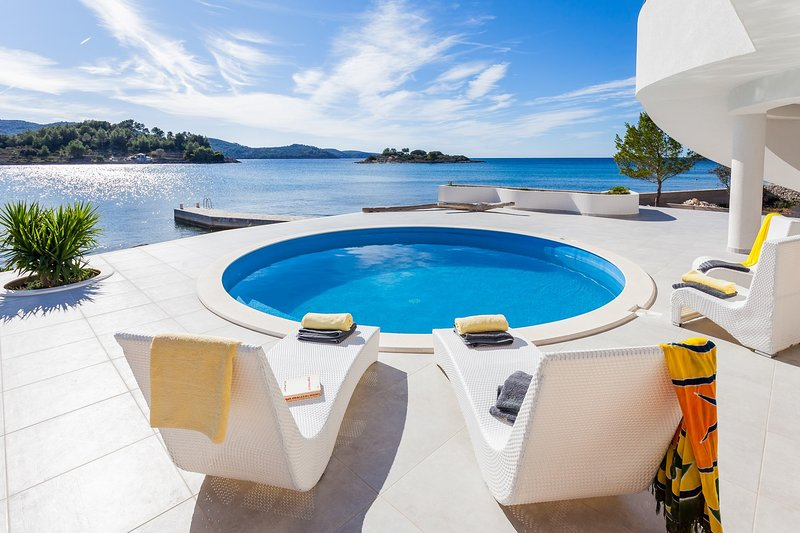 Beautiful Villa Soleil, on the Island of Korcula, vacation rental in Vela Luka