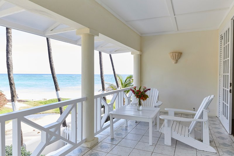 Inchcape Seaside Villas - Deluxe 1 Bed Apt B, holiday rental in Silver Sands