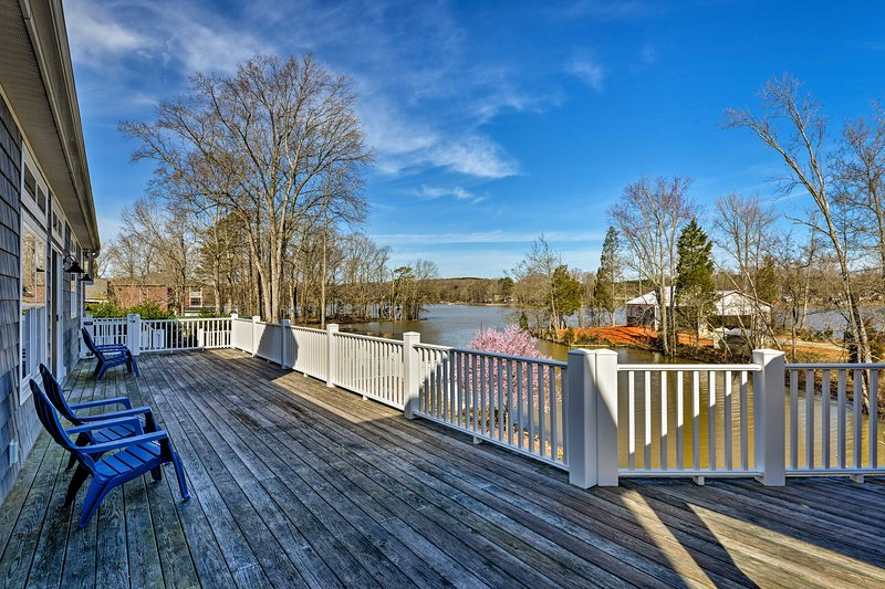Stay in elegant style at this waterfront Lexington vacation rental home!