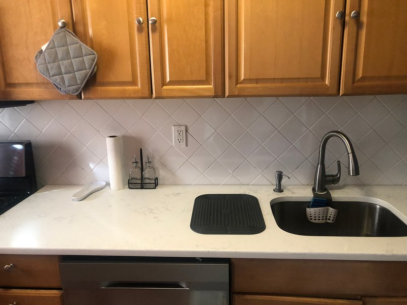 Hackensack Modern Rental Condo, holiday rental in Glen Rock
