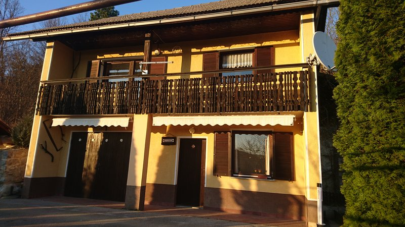 Vineyard house Ivanec, holiday rental in Ratez