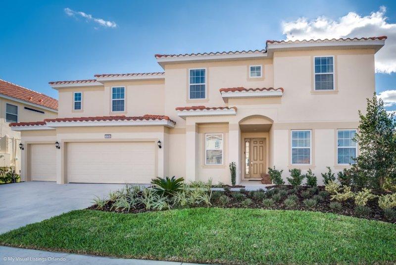 Luxury 5 Star Villa on Solterra Resort,Minutes from Disney World, Orlando Villa, holiday rental in Loughman