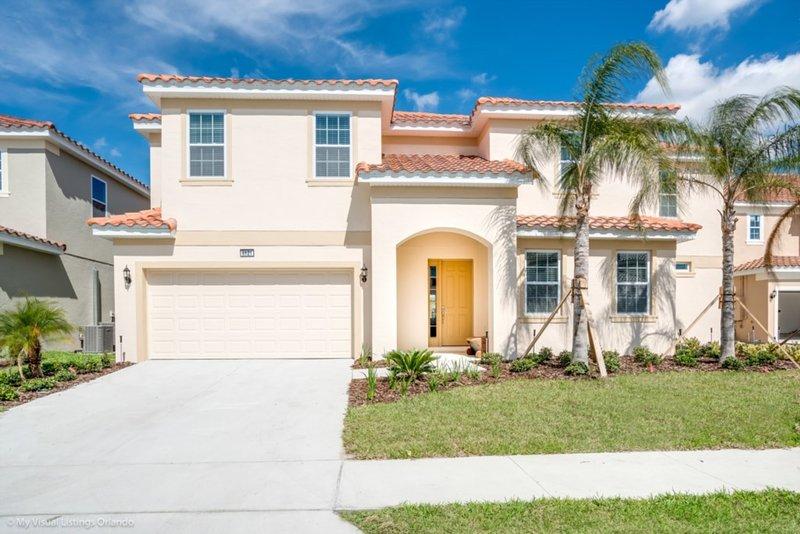 You Will Love this 5 Star Villa located on Solterra Resort, Orlando Villa 2769, holiday rental in Loughman