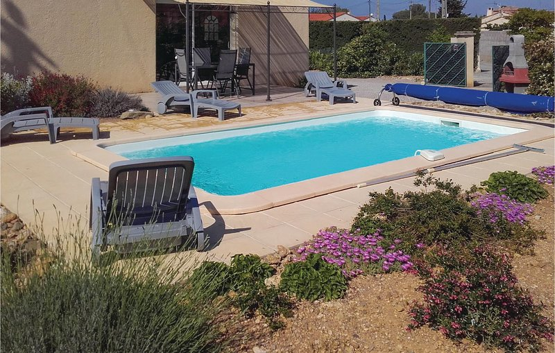 Nice home in Argeliers with Outdoor swimming pool, Outdoor swimming pool and 3 B, holiday rental in Argeliers