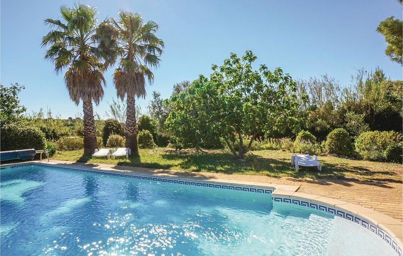 Stunning home in St Pons de Mauchiens with Outdoor swimming pool, Outdoor swimmi, vacation rental in Usclas-d'Herault