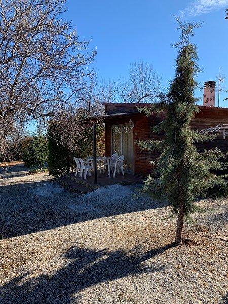 Cabaña de madera. Cortijo Helao, holiday rental in Hinojares