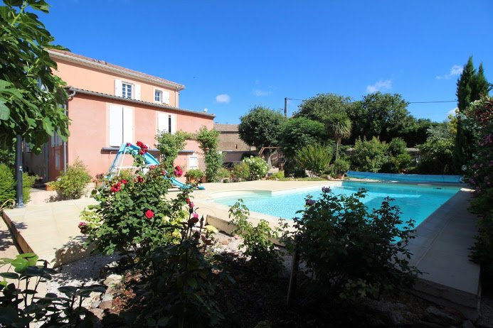 Villa in Languedoc with large pool Book NOW to receive 10% off any week in 2020, location de vacances à Quarante