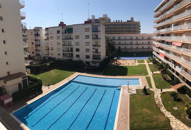 Flat first line to the beach in Malgrat de mar, location de vacances à Malgrat de Mar