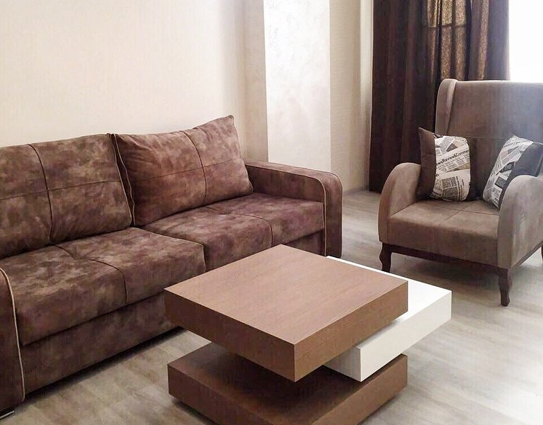 Luxury apartment in the city centre, vacation rental in Garni