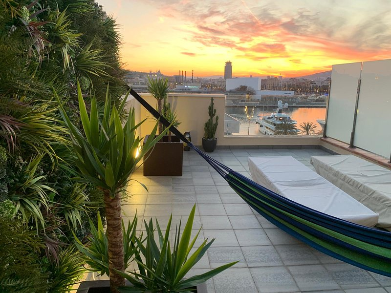 Private roof terrace and view over Port Vell ONE Ocean and the whole of Barcelona, sunset almost every night.