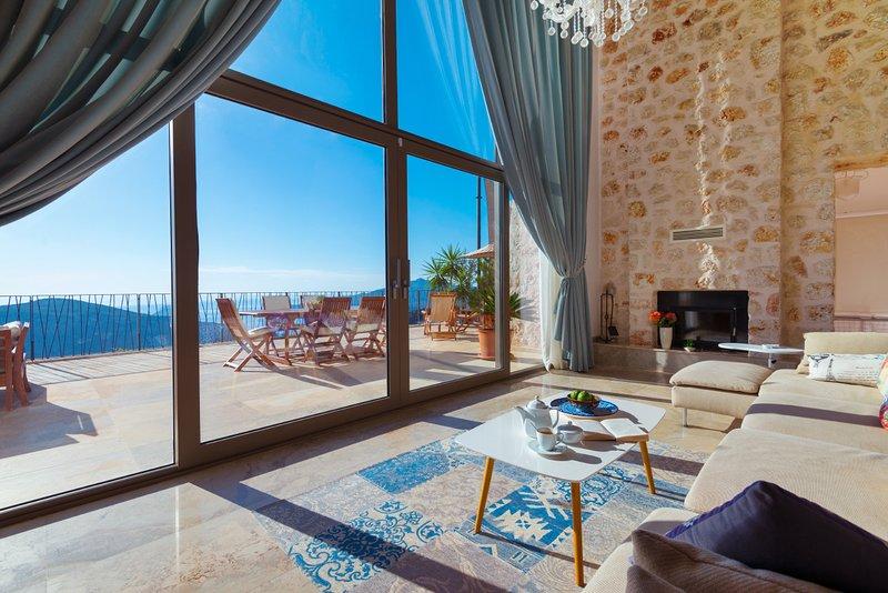Kalkan Villa Sleeps 10 with Pool Air Con and WiFi - 5781699, holiday rental in Bezirgan