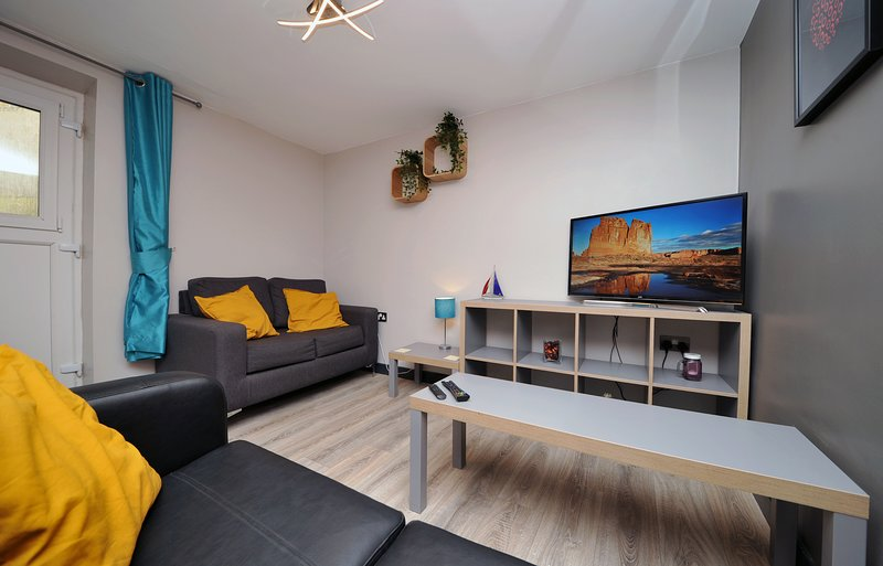 Stone's Throw City Centre, holiday rental in Sketty