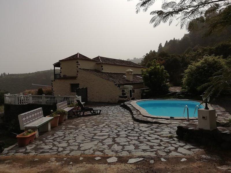 CASA BARRANCO DE LA MADERA,NATURALEZA,TREKKING,BOSQUES,EL MEJOR CIELO DEL MUNDO, vacation rental in Bajamar