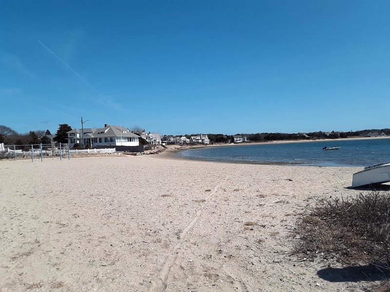 ENGLEWOOD BEACH 3/10ths mile away!