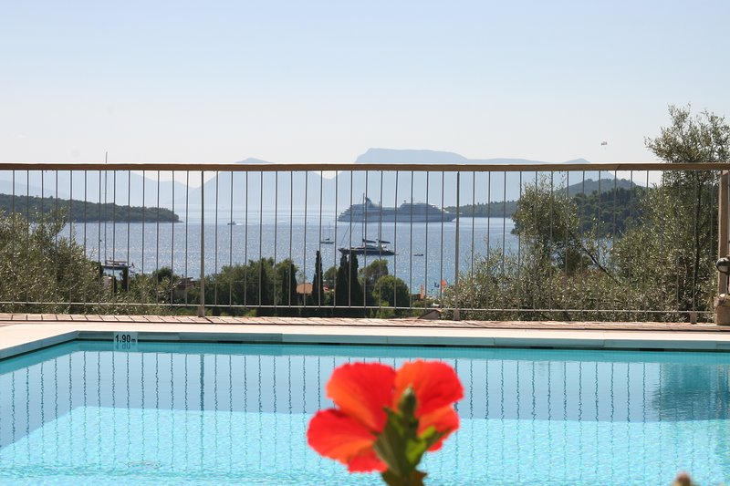 'Madouri' Residence - Quiet Family Vacations, holiday rental in Ellomenos