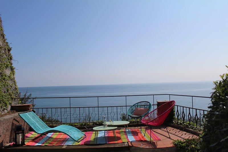 C21 - Villa sul mare con giardino piscina e posto auto, vacation rental in Andora
