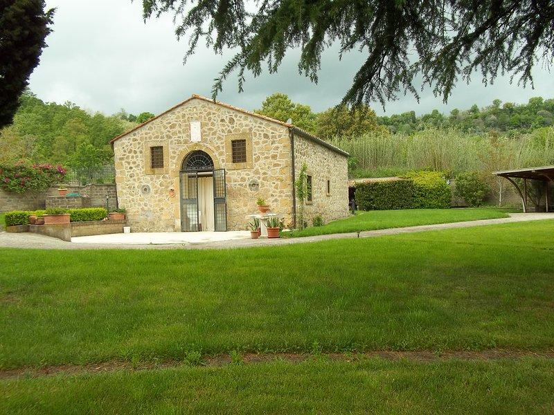 villa in maremma mulino ad acqua del 1500 del Duca Galeazzo Farnese, vacation rental in Ischia di Castro