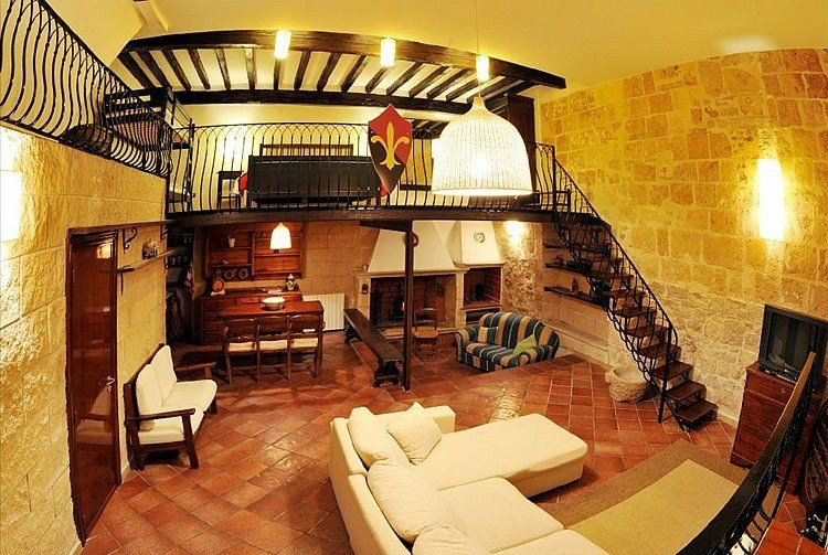 Casa Vacanza Home Restaurant. ' Barolum Historic Home', holiday rental in Margherita di Savoia